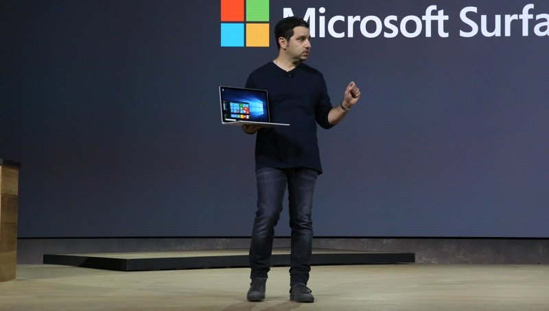 Microsoft Unveils its first laptop