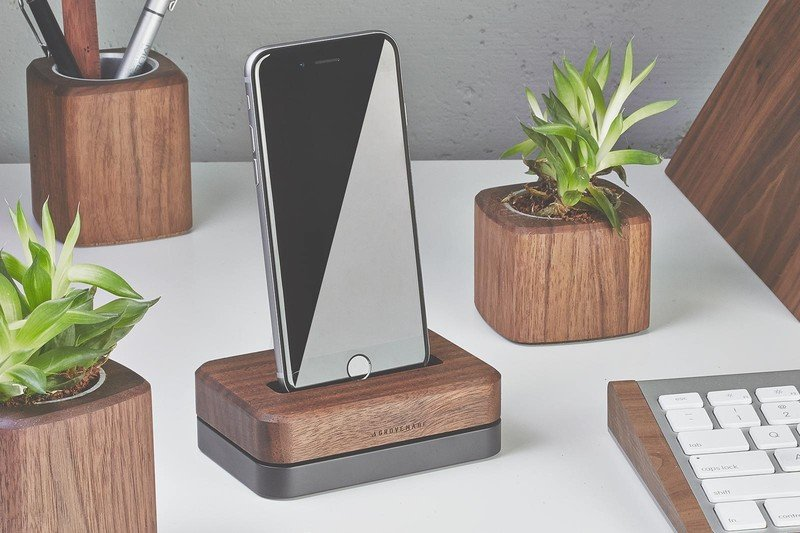 Grovemade Walnut Dock for iPhone 5/5s, iPhone 6 and 6 Plus is an instant conversation piece